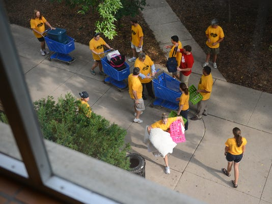 GPG SNC Freshman Move In042