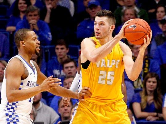 NCAA Basketball: Valparaiso at Kentucky