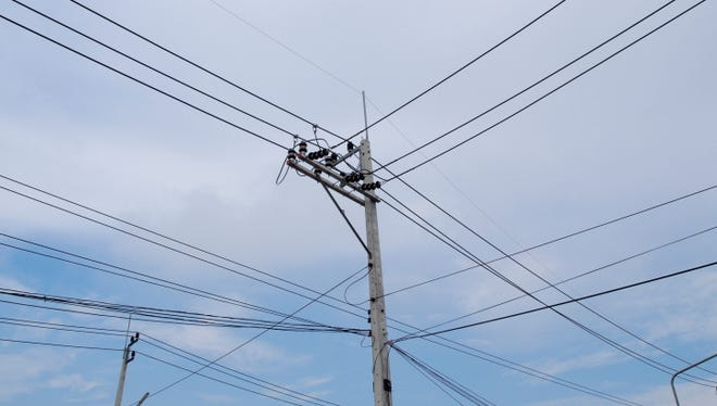 Power outages will occur today in Maple Shade as PSE&G does utility work on Route 83.