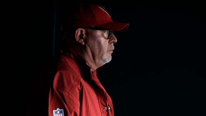 Are Cardinals players turning on head coach Bruce Arians and staff? Outspoken defensive tackle Frostee Rucker says no.