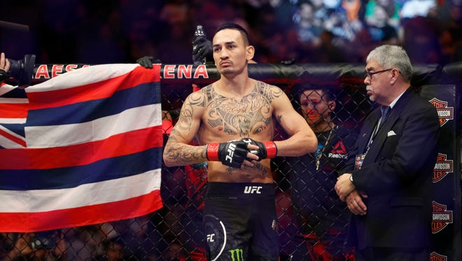 Max Holloway before a fight in 2017.