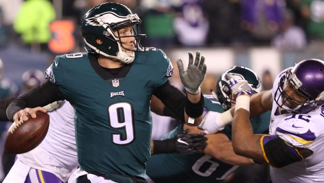 Eagles QB Nick Foles threw three TD passes against the Vikings.
