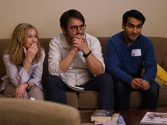 Kumail (Kumail Nanjiani, right) anxiously gets to know
