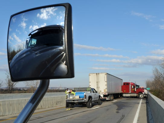 Westbound U.S. 35 motorists sat for hours on the highway