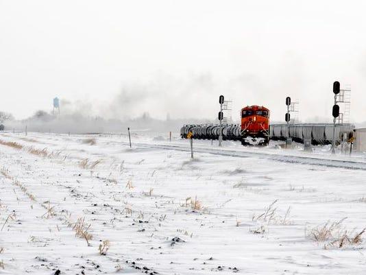 -train derailment 2.jpg_20131231.jpg