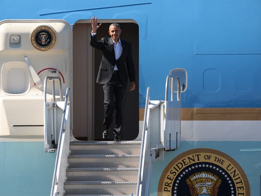 President Obama arrives in Palm Springs aboard Air