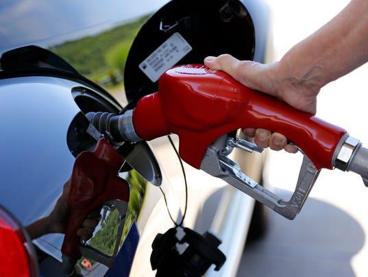 636304330761612686-gas-prices-AP-Fuel-Economy-NYBZ109.jpg