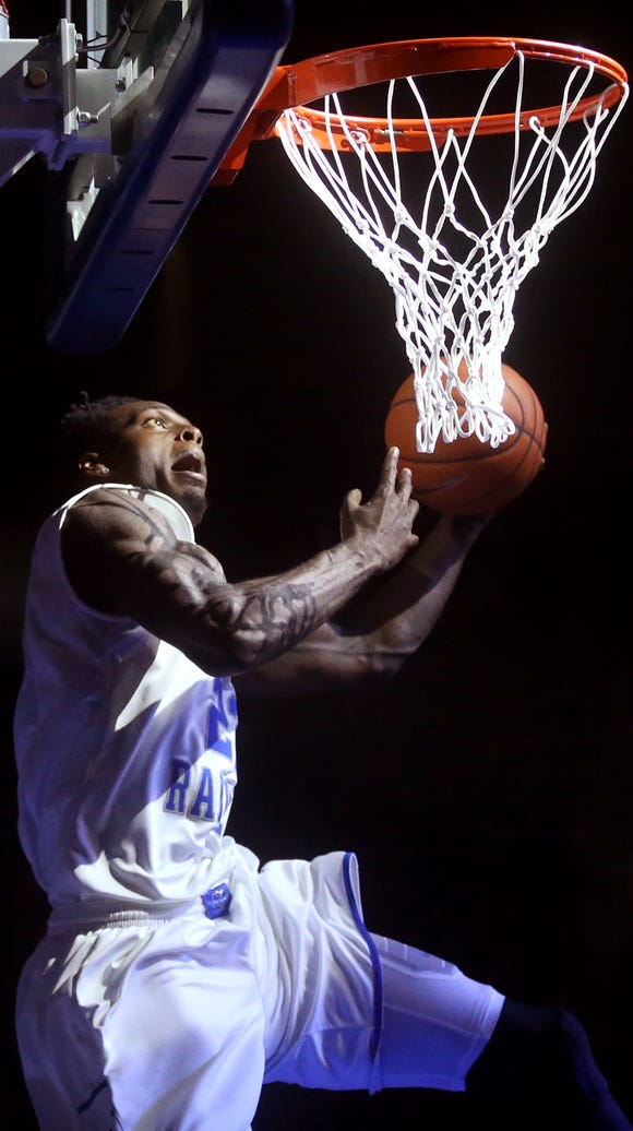 MTSU's Jacorey Williams comes from behind the goal