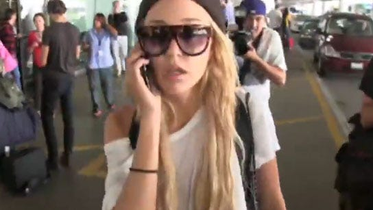 Amanda Bynes arrives in Los Angeles on Oct. 10, 2014.