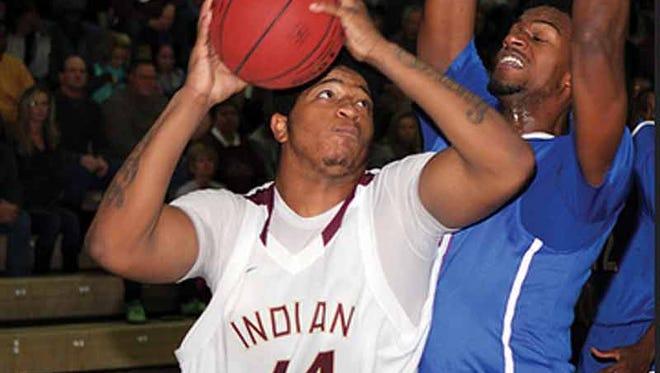 Jordan Washington (44) is a forward at Indian Hills Community College in Ottumwa, Iowa.