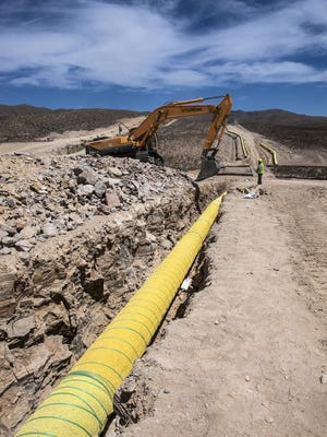 The Roadrunner natural gas pipeline under construction in West Texas in May 2016. The Oneok pipeline sends natural gas from the Permian Basin to Mexico.