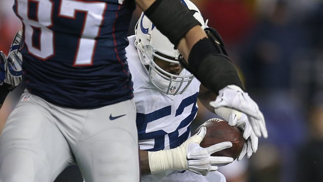 This D'Qwell Jackson interception is reportedly the play that raised concerns about deflated footballs.