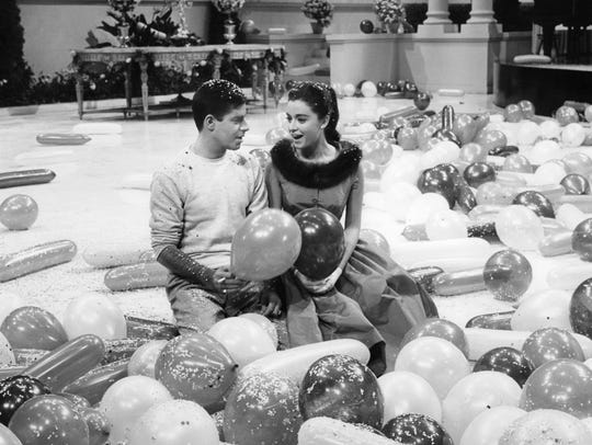 Jerry Lewis and Anna Maria Alberghetti share a moment