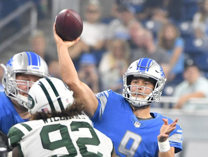 Lions quarterback Matthew Stafford throws In the first