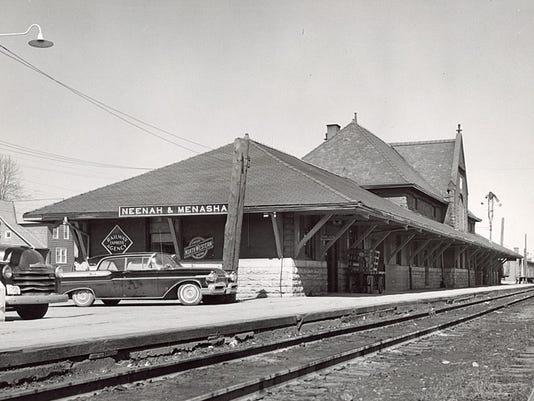 636330324465173951-Neenah-railroad-depot-1950s.jpg