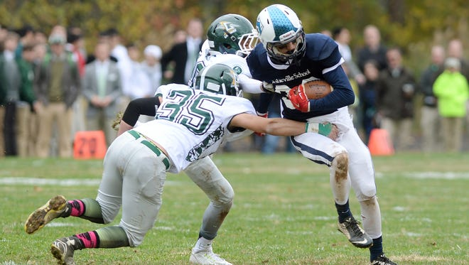 All-state linebacker Charlie Claffey (35) averaged 10 tackles per game for Christ School in 2015.