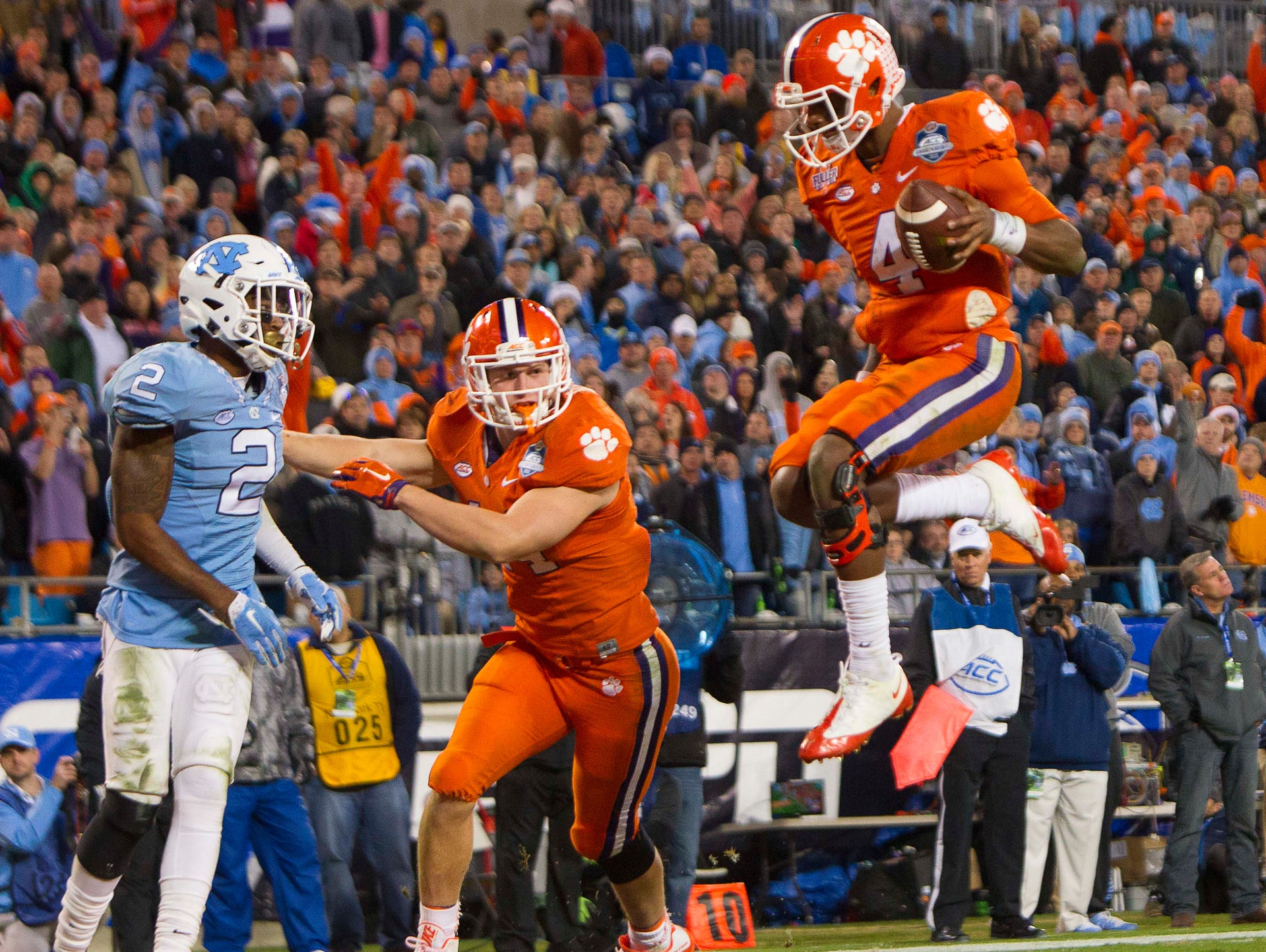 Clemson quarterback Deshaun Watson scores a touchdown Jim Kelly/ USA Today