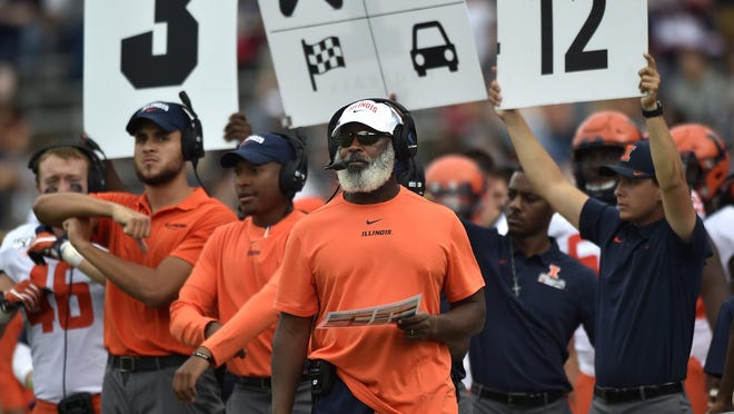 Illinois football coach Lovie Smith looks on from the sideline against Connecticutat Rentschler Field in East Hartford, Conn., on Saturday, Sept. 7, 2019.