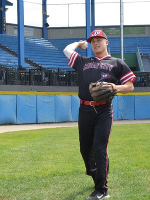 Lakeview graduate Gavin Homer has started the season with the Battle Creek Bombers.