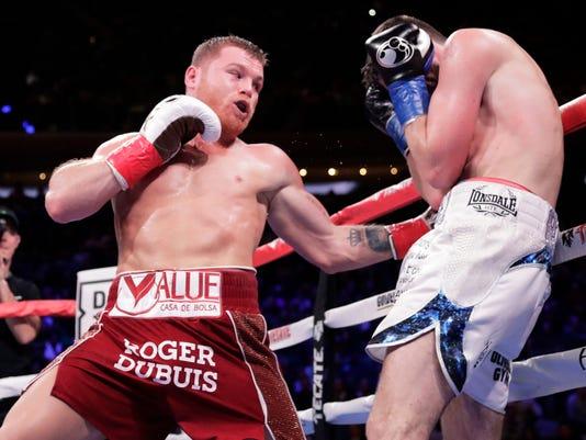 Alvarez_Fielding_Boxing_28923.jpg