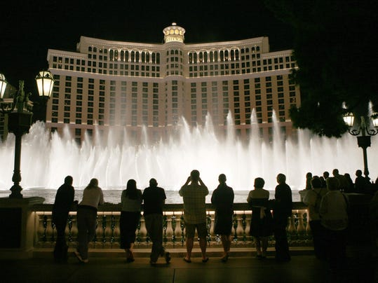 Robber steals cash from Bellagio and escapes in a Chevy parked in valet area