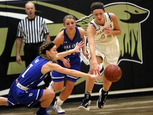 Franklin-Oak Creek Basketball-4