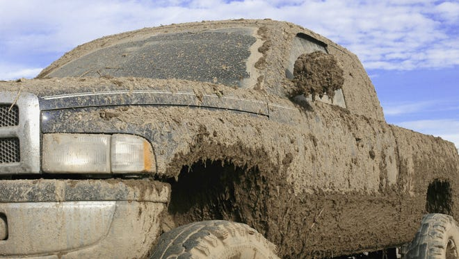 New dirt/mud racing track opens up in East Milton with Saturday race