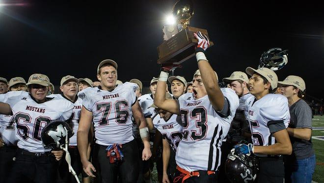 Richard Obert predicts the winners of this week's Arizona high school football games.