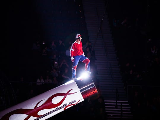 1 human cannonball