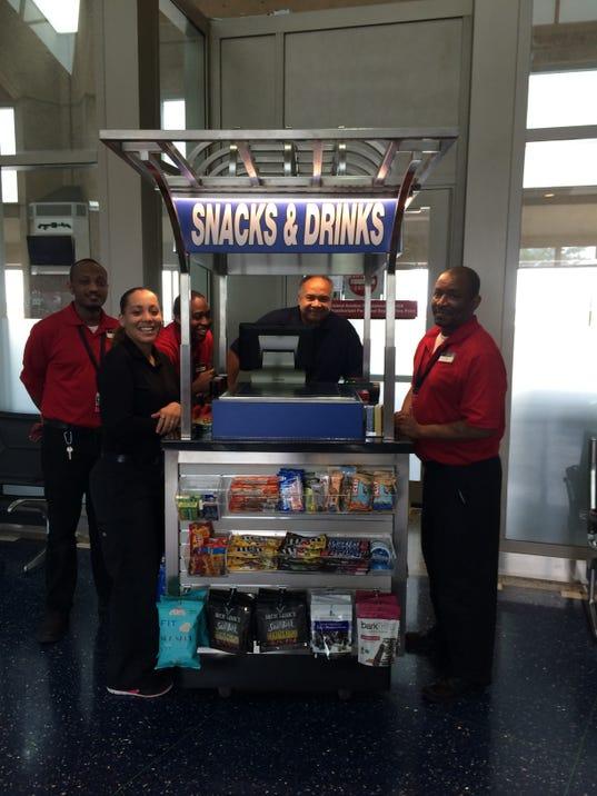 635827643394229004-A-Paradies-Lagard-re-Travel-Retail-At-Your-Service-cart-at-Kansas-City-International-Airport