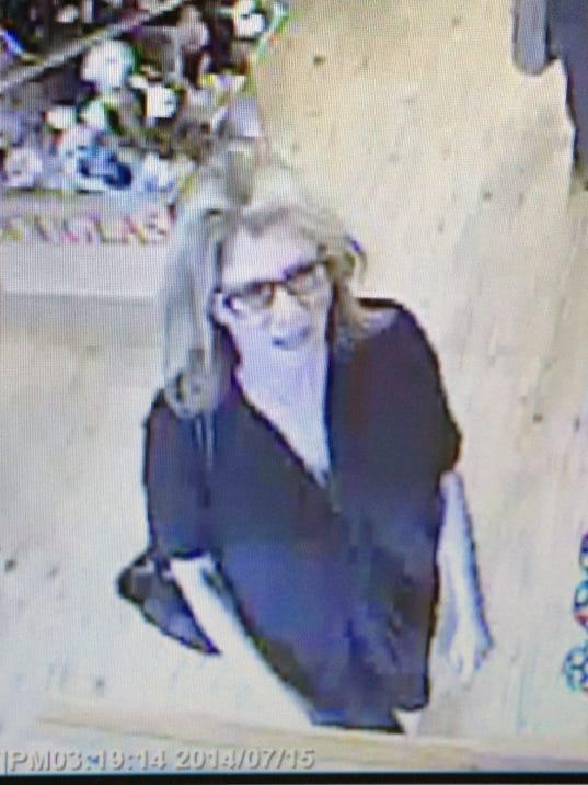 1 ply retail fraud suspect