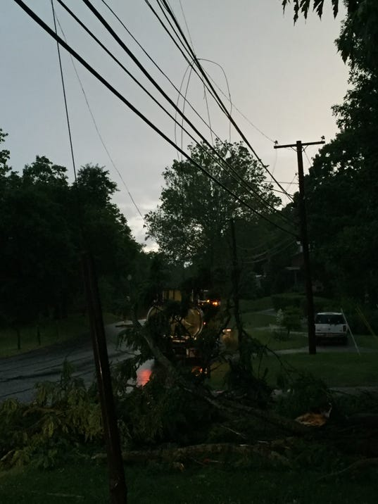 ct outage map with 86010660 on Img Ba eversource Power likewise Article c69197ea 485f 11e5 94ca Bfa19518f7a2 further 4 likewise Eversource Over 5000 Outages In Ct On Sunday besides 86010660.
