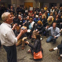 Hundreds show up for Emmer's town hall in Sartell