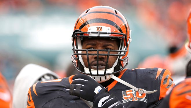 Offensive tackle Andre Smith  is joining the Arizona Cardinals.