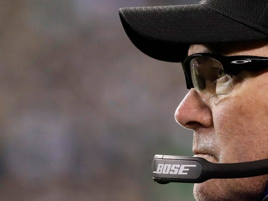 Minnesota Vikings head coach Mike Zimmer watches during the second half of the NFL football NFC championship game against the Philadelphia Eagles Sunday, Jan. 21, 2018, in Philadelphia. (AP Photo/Matt Rourke)