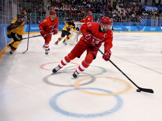 Pavel Datsyuk controls the puck in the first period
