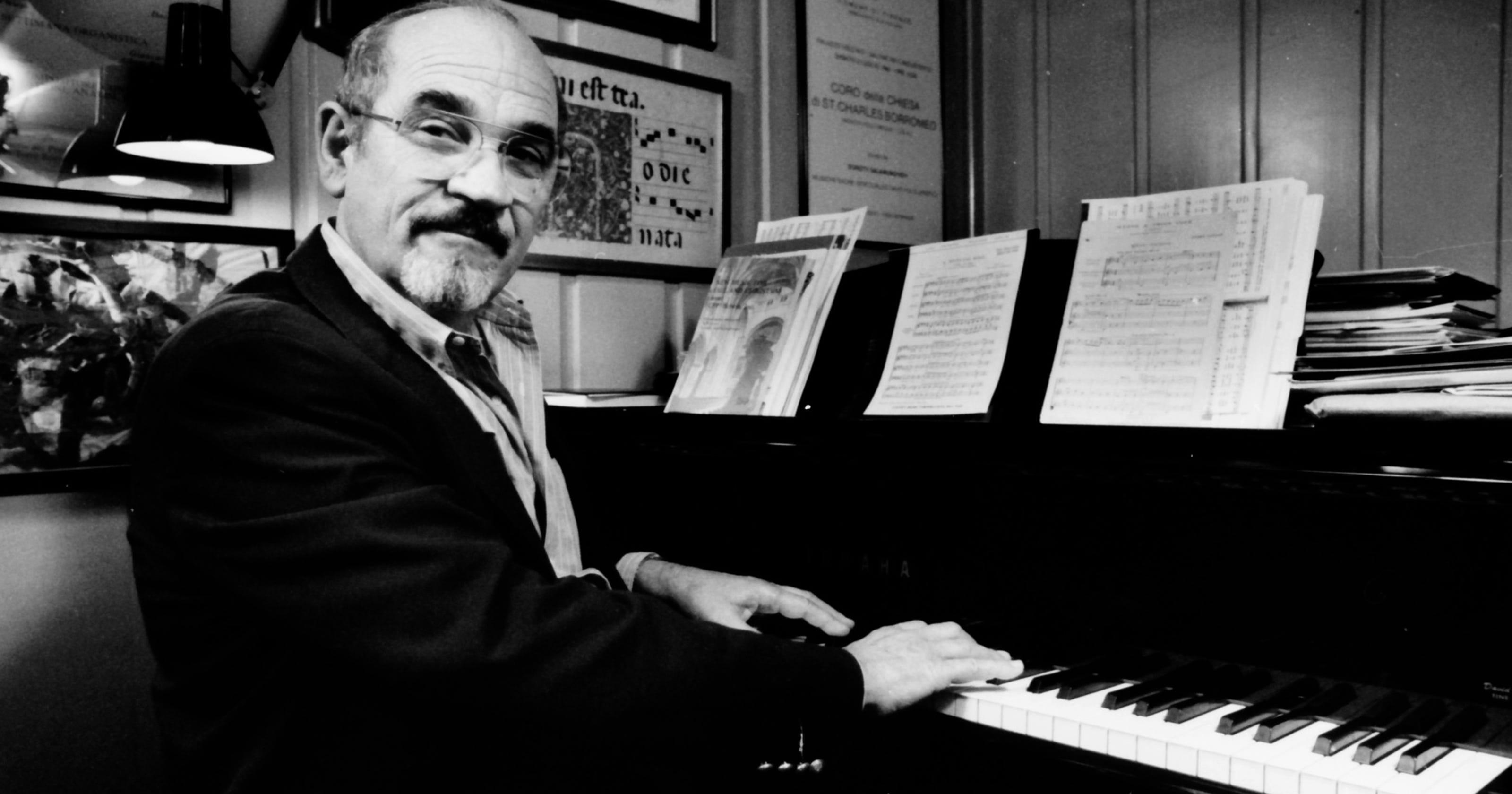 Chorus Director Paul Salamunovich Dies At 86 Coach Bennet Snoopy Saddle Authentic
