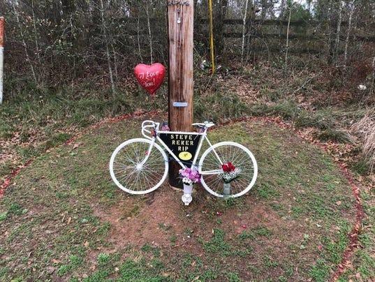 636633742640943419-bicycle-memorial.jpg