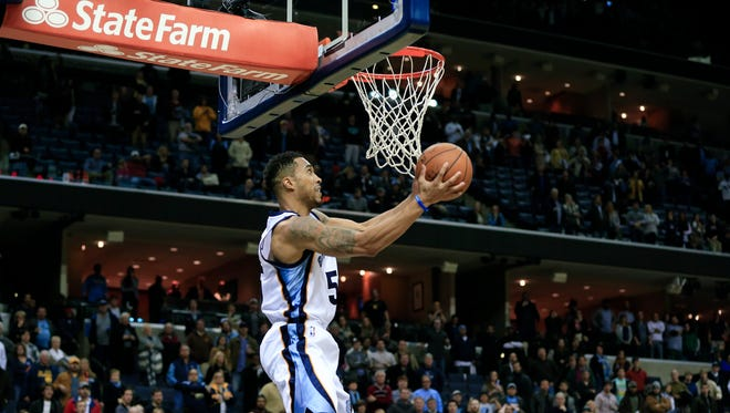 Memphis Grizzlies guard Courtney Lee scores the game-winning basket against the Sacramento Kings with less than one second remaining on Nov. 13 in Memphis. The Grizzlies won 111-110.