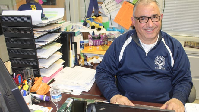 A high school athletic director for 25 years, the affable Sal Malek recently received the 2018 George Lovich State Award of Merit given by the Michigan Interscholastic Athletic Administrators Association.