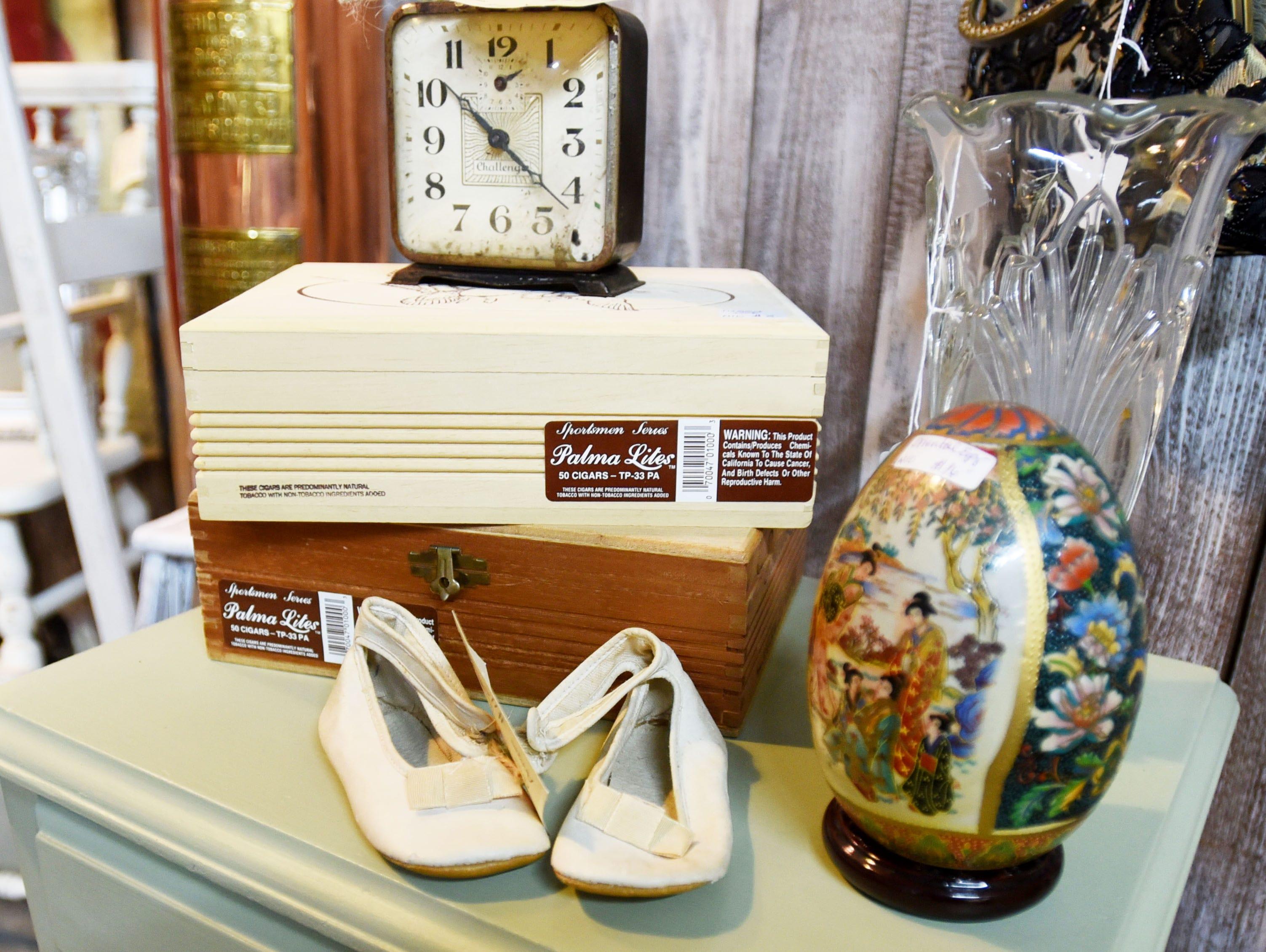"""18/"""" Wide PICKER Street Sign treasures junk picking old vintage Indoor//Outdoor"""