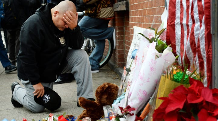 2 police officers fatally shot in Brooklyn