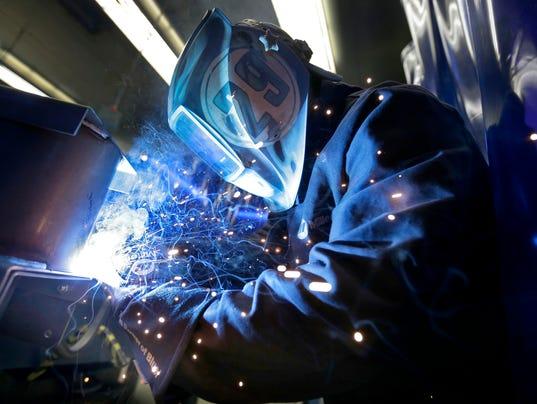 635972645646133660-APC-FVTC-welder-042516-08-wag-.jpg