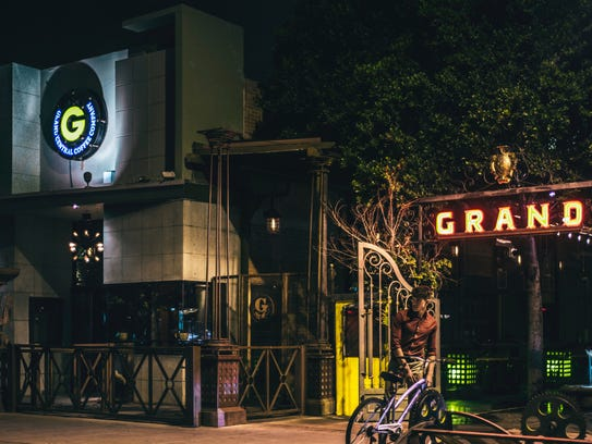 The Grand-- DÓNDE: 718 N. Central Ave, Phoenix.  CONTACTO: