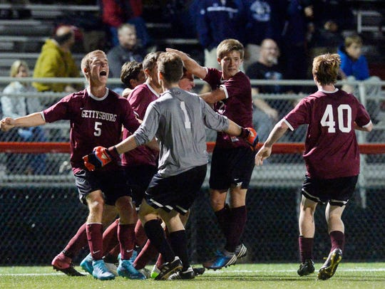 Gettysburg players celebrated after winning the YAIAA