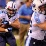The Tennessee Titans and running back Jackie Battle, who played a key role on special teams last season, have agreed on a one-year deal.