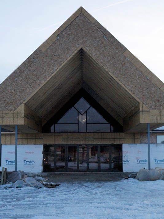 -MNI 0223 church building5.jpg_20140219.jpg