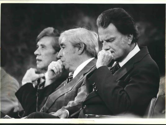 1979 Press Photo Milwaukee Mayor, Billy Graham during Crusade at County Stadium