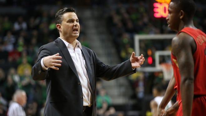 Arizona coach Sean Miller reacts to a play call during the first half of a March 2, 2019, game against Oregon at Matthew Knight Arena. [Chris Pietsch/The Register-Guard] - registerguard.com