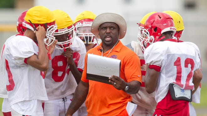 Former NFL running back and North Fort Myers High School football coach Earnest Graham made his coaching debut Friday.